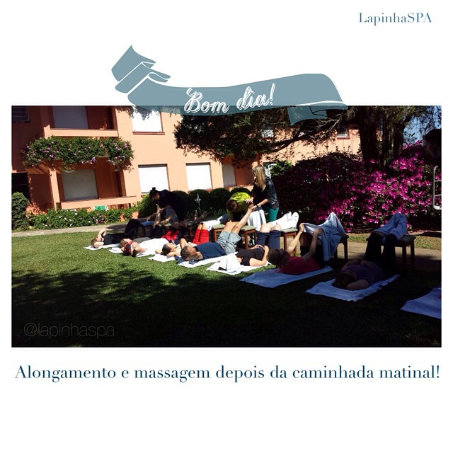 {Bom dia} Aqui é assim, além da recompensa de um ótimo exercício físico, depois da caminhada ainda tem relaxamento nos pés e massagem! Agora é hora do café da manhã! #bomdia #lapinhaspa #spa#exercise #exercicios #active #saude #bemestar #viverbem #equilibrio #workout #massage #motivation